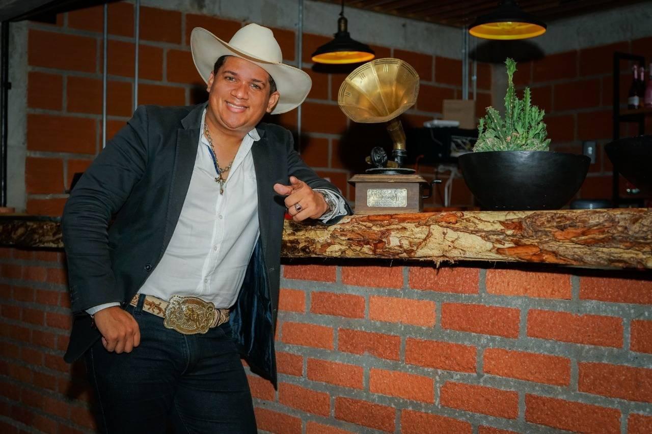 Sale el primer sencillo de Tony Mendoza, un migrante venezolano en Colombia